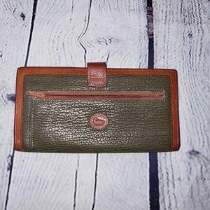 Vintage Dooney & Bourke wallet olive green
